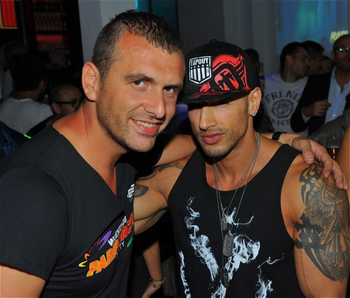 Galerie rencontre gay comment rencontrer johnny depp chaumont rencontre